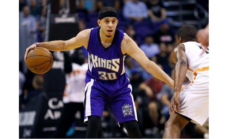 Kings ganan a Suns en gran noche del otro Curry