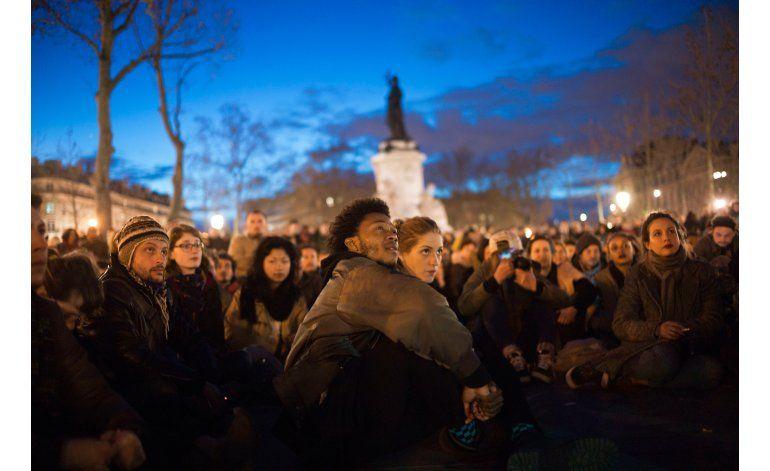 Manifestantes en París dañan comercios; 2 policías heridos