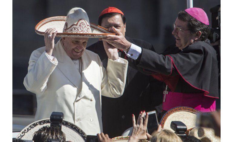 Papa reemplaza a embajador del Vaticano en Washington