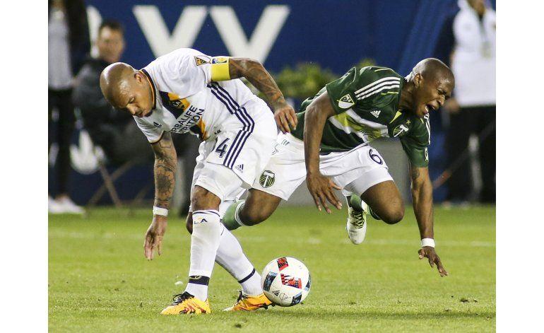 MLS: Nagbe sufre esguince de tobillo por falta de De Jong