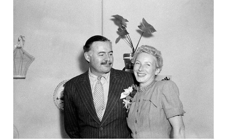 Manuscritos de Hemingway se exhiben en biblioteca de JFK