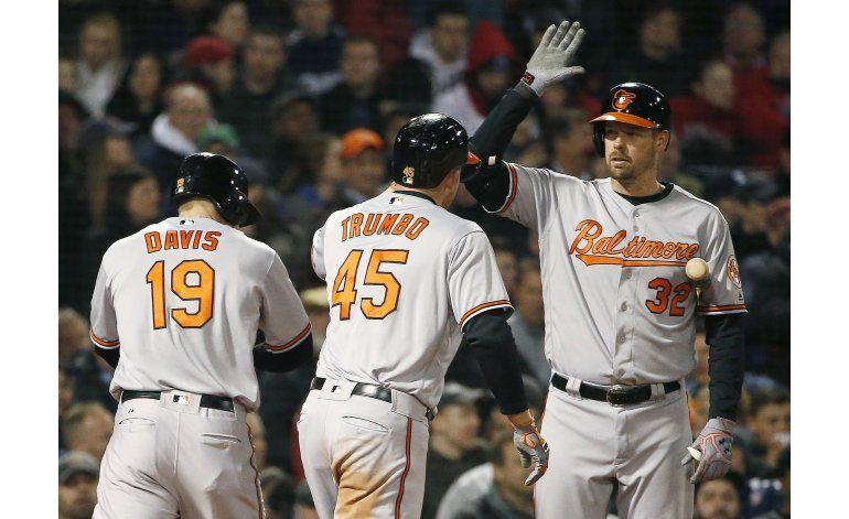 Orioles ganan otra vez en Boston y siguen invictos