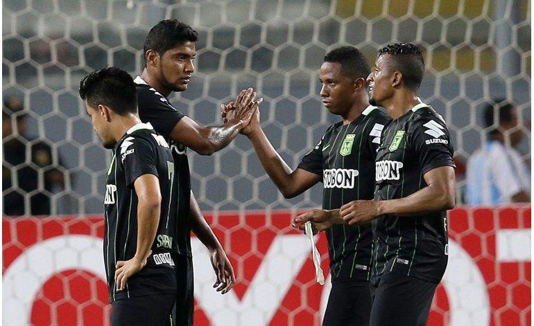 Atlético Nacional sigue perfecto; vence 1-0 a Cristal