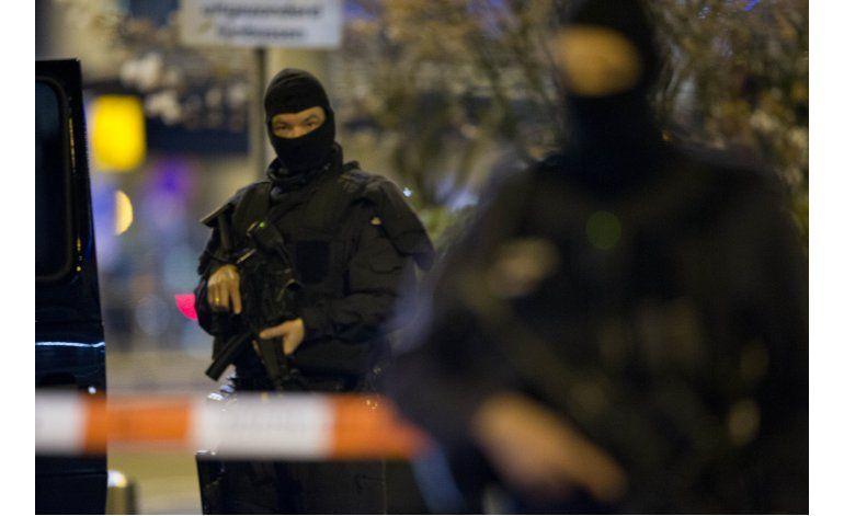 Sigue detenido el sospechoso del aeropuerto holandés