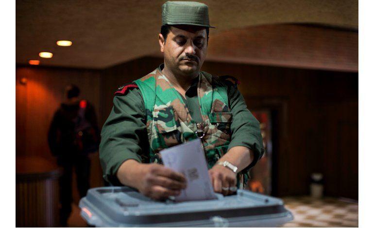 Funcionario sirio descarta salida de Assad pese a diálogo
