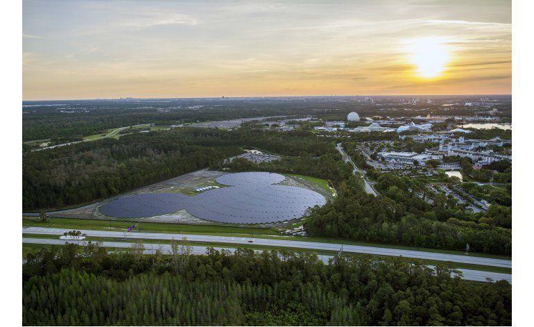 Disney devela centro de energía solar con forma de Mickey