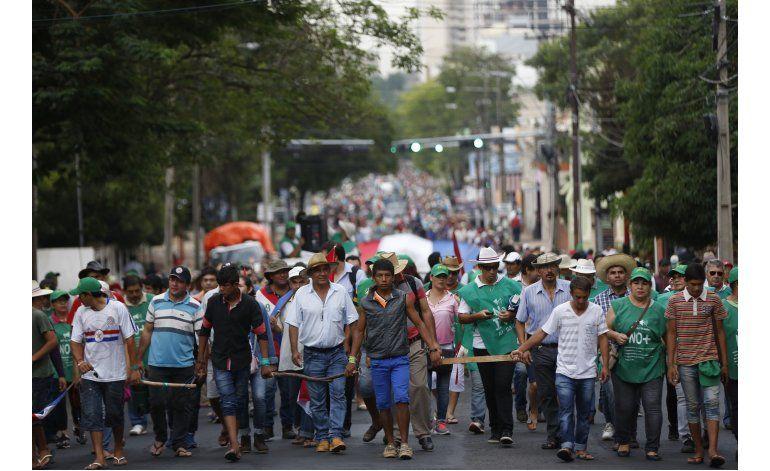 Paraguay: Campesinos acamparán hasta diciembre ante Congreso