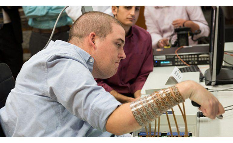 Implante cerebral permite a paralítico volver a moverse