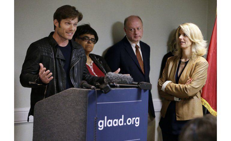 Artistas country critican ley anti-LGBT, sellos en silencio