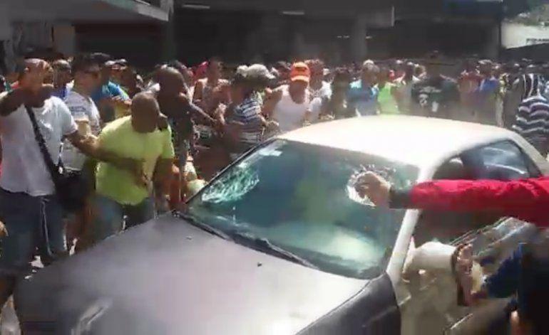 Migrantes cubanos atropellados mientras protestaban en Panamá