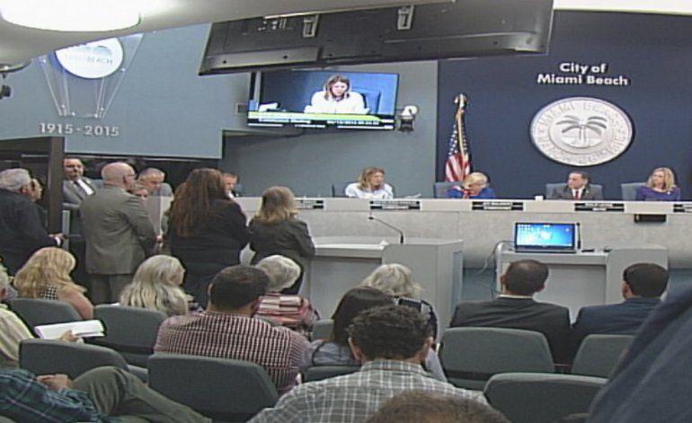 Polémica sobre fumigaciones aéreas en Miami Beach