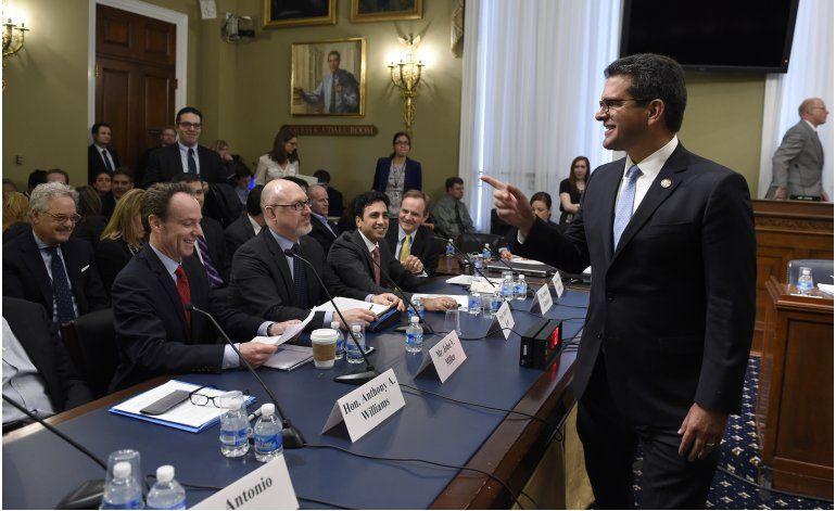 Republicanos cancelan votación sobre plan para Puerto Rico