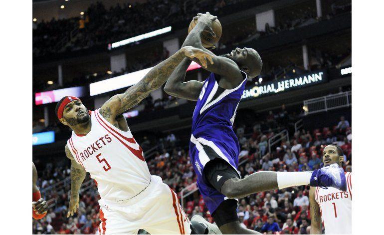 Rockets vence a Kings y asegura lugar en playoffs