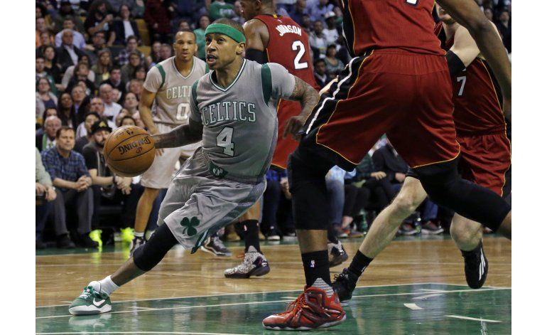 Celtics remontan desventaja de 26 y vencen al Heat