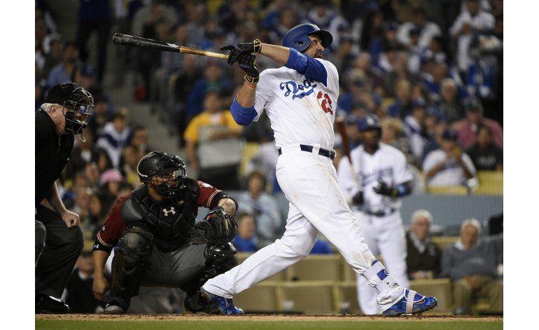 Gonzalez pega primer jonrón del año, Dodgers ganan a Arizona