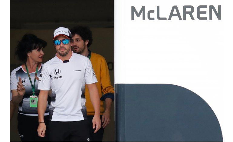Alonso con visto bueno médico para manejar en GP China