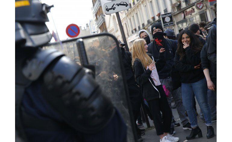 Presidente francés no dará marcha atrás a reforma laboral
