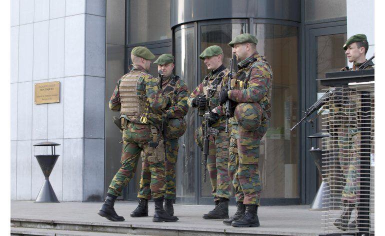 Juez belga prolonga detención de Abrini y otros seis
