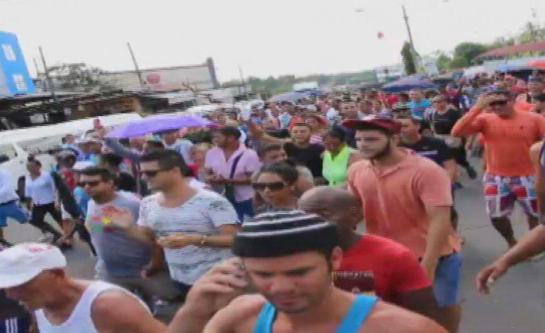 Cubanos varados en Panamá realizan nueva protesta