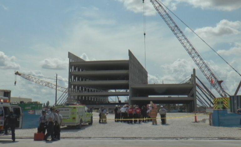 Dos heridos tras derrumbe en estacionamiento del Miami Dade College