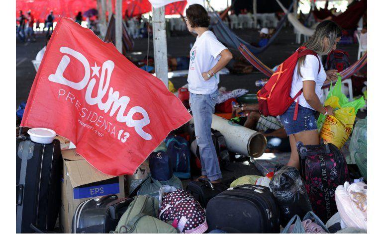 Campamentos callejeros reflejan división política en Brasil