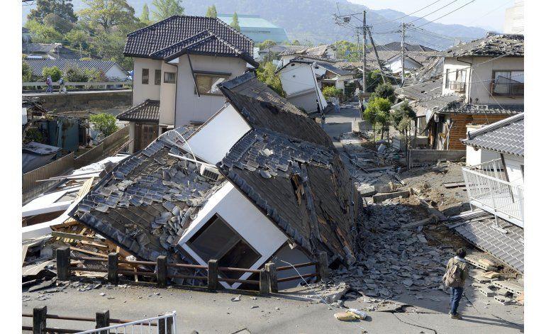 Japón: 41 muertos en sismos, equipos apuran rescates
