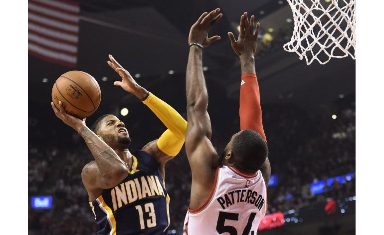 George anota 33, y Pacers vencen a Raptors en playoffs