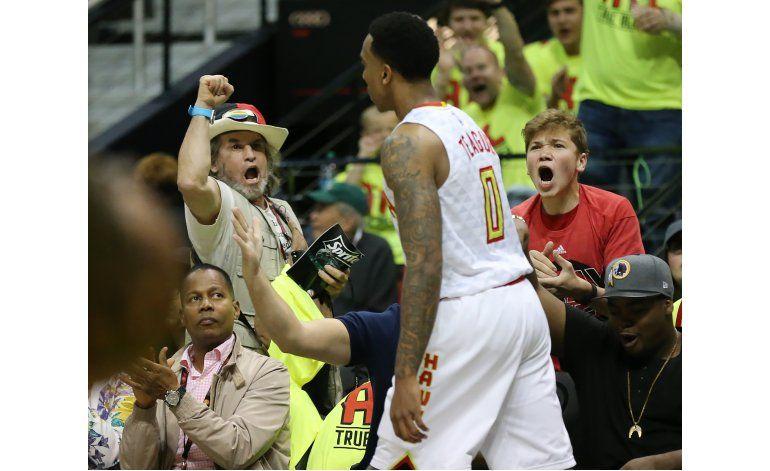 Hawks resisten reacción de Celtics y se imponen