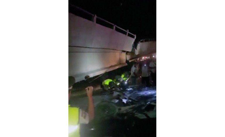 Aumentan a 41 los muertos en el terremoto en Ecuador