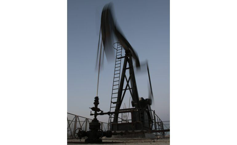 Irán no acudirá a reunión en Catar sobre producción crudo