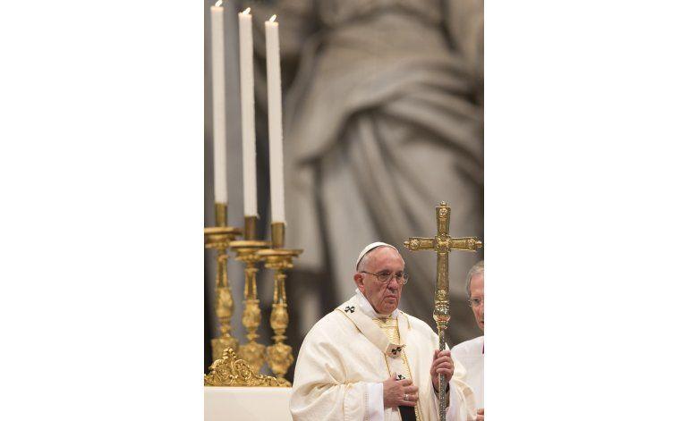 El papa dice mujer asesinada por islamistas es martir
