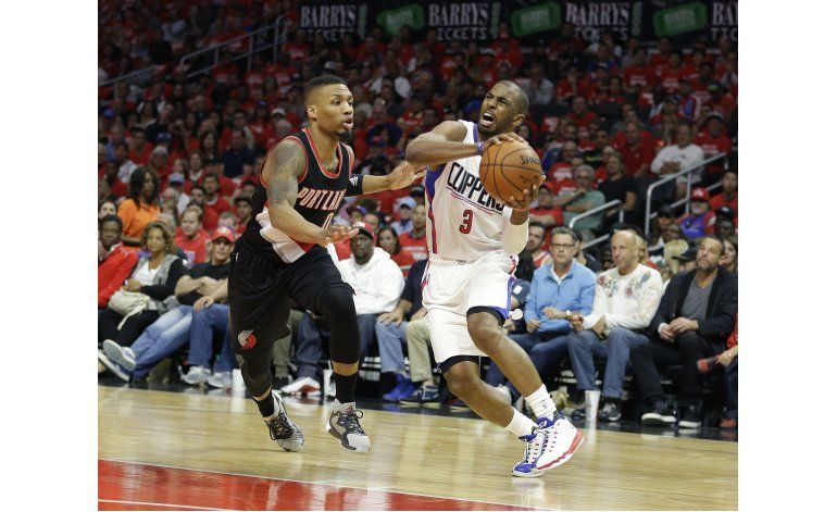 Clippers vencen a Trail Blazers con Paul y Griffin al frente