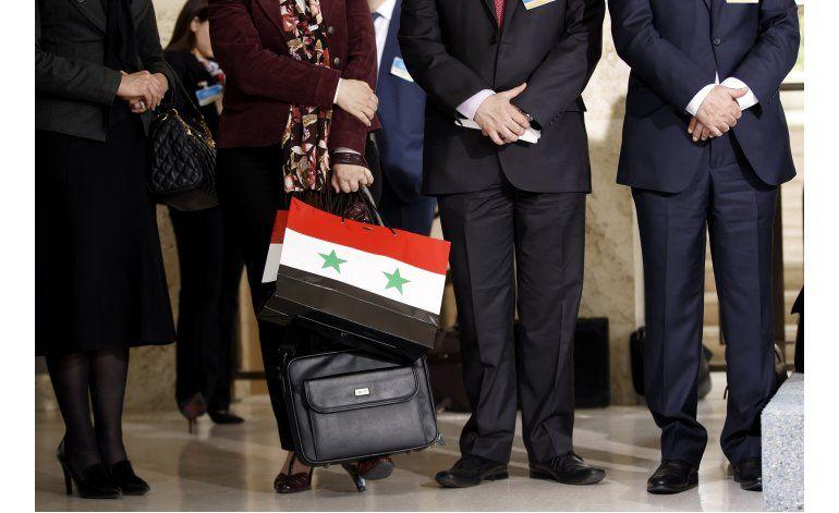 Rebeldes sirios lanzan ofensiva contra gobierno