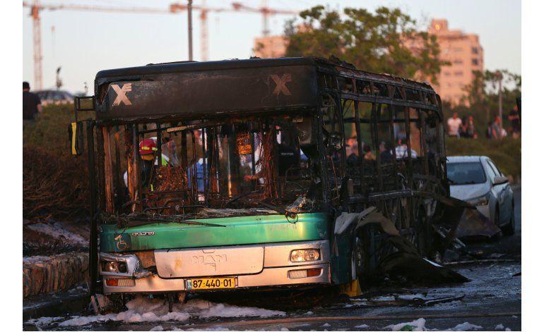 Presunto atentado explosivo contra autobús en Jerusalén