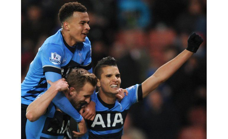 Tottenham se pone a 5 puntos del líder Leicester