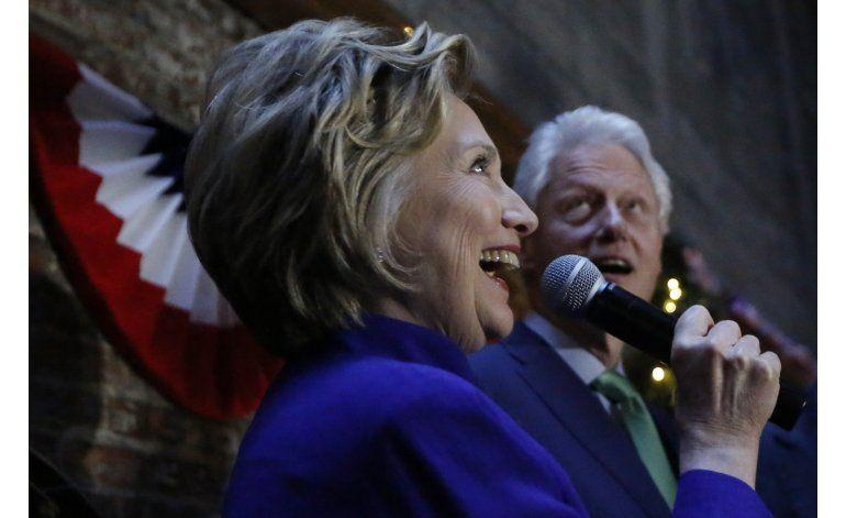 Clinton y Trump buscan acallar a los críticos en Nueva York