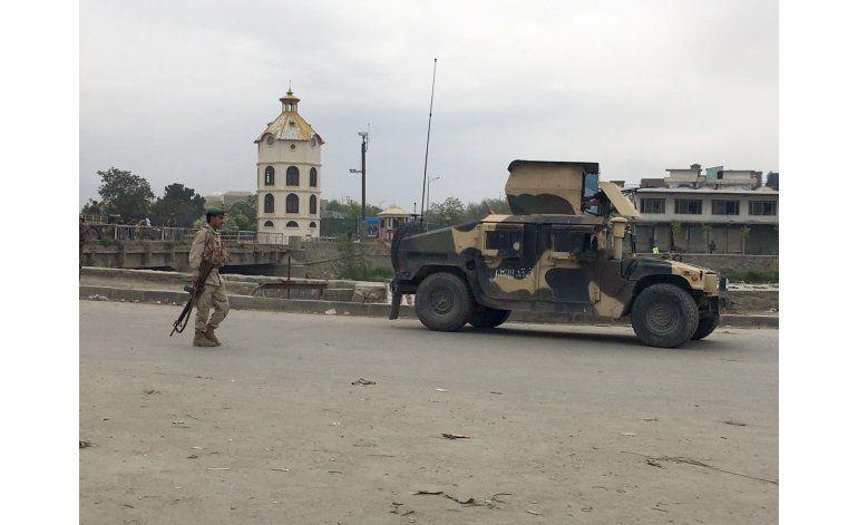 Talibanes atacan agencia de seguridad en la capital afgana