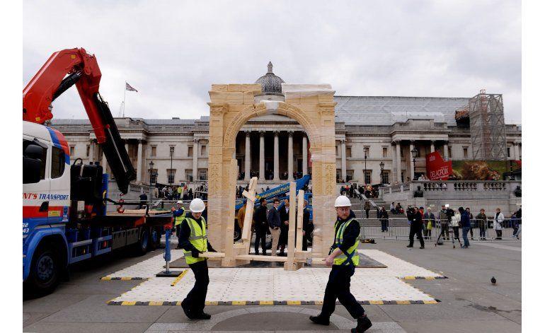 Arco del triunfo destruido en Palmira es recreado en Londres