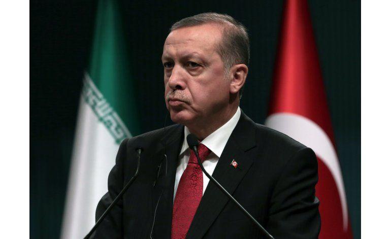 Turquía advierte que podría rescindir acuerdo con la UE