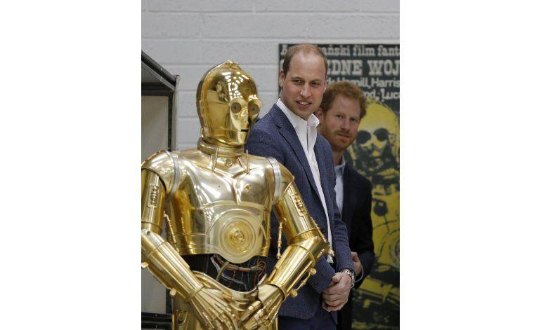 Guillemo y Enrique visitan el plató de Star Wars