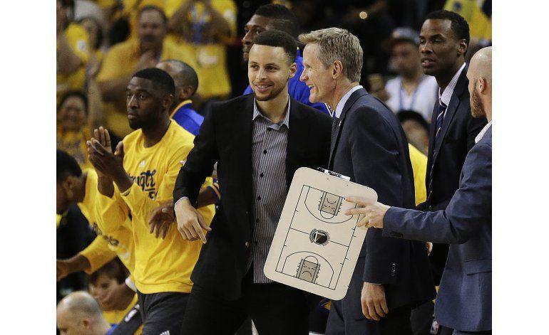 Curry no padece de daño estructural en el tobillo derecho