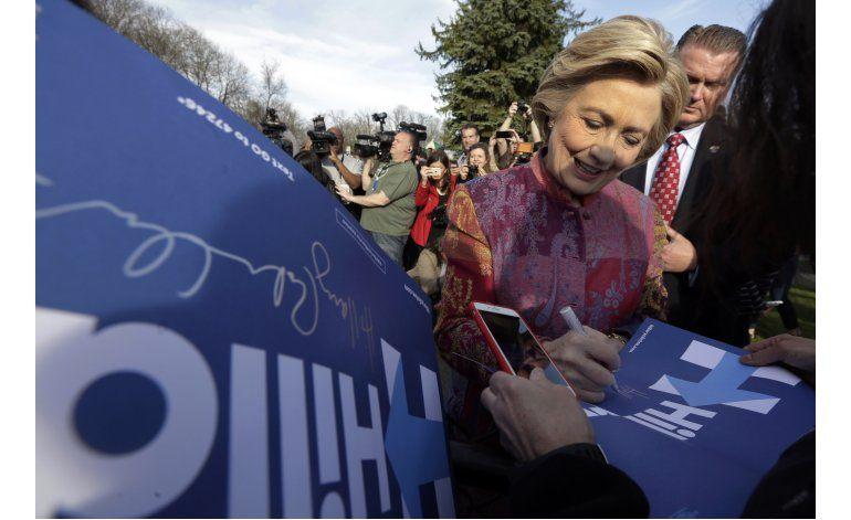 Clinton y Trump aumentan su ventaja en conteo de delegados
