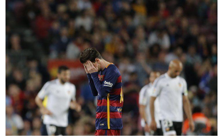 Funcionario gana apelación por filmar pasaporte de Messi