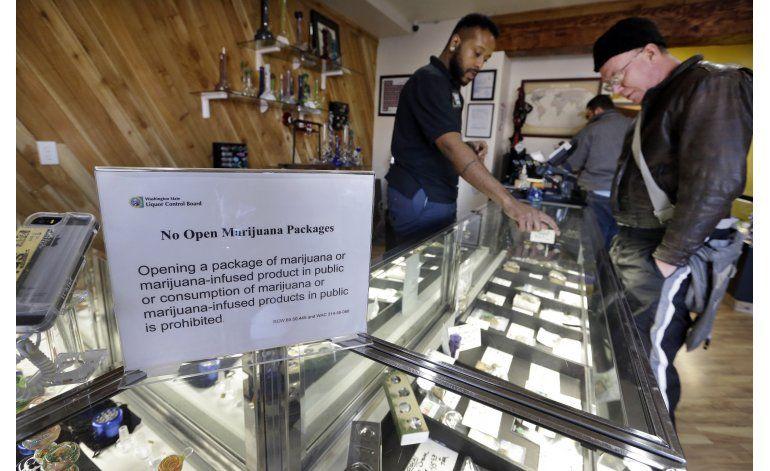 Cada vez más bancos aceptan dinero de negocios de marihuana