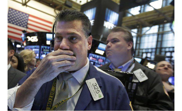 Wall Street sube ligeramente impulsada por sector bancario