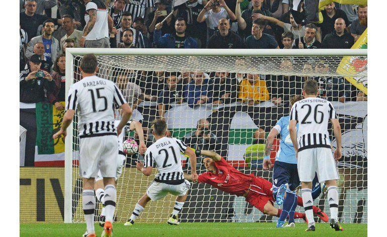 Con 2 de Dybala, Juventus acaricia el título