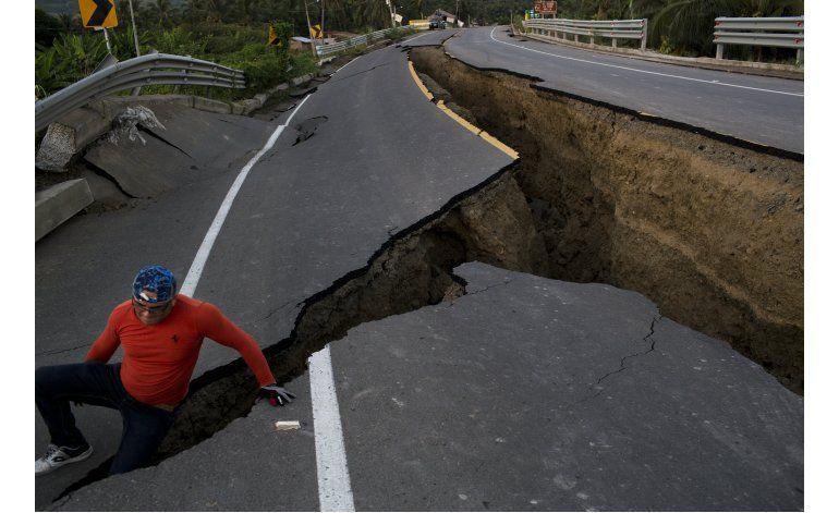 Correa anuncia medidas económicas por terremoto