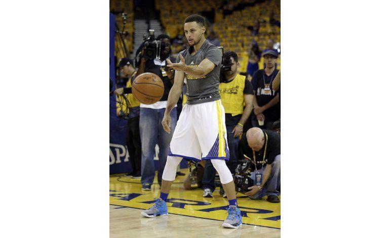 Curry se siente mejor, pero no listo