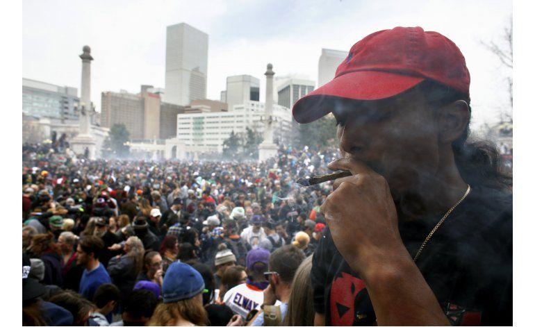 Miles se reúnen en todo EEUU a favor de la marihuana legal