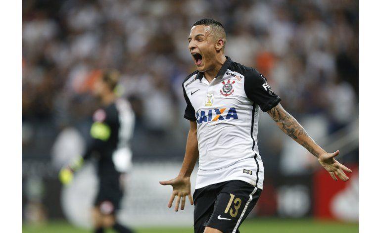 Corinthians humilla  6-0 a Cobresal y avanza